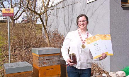 """Die """"Königin der Bienen""""  kommt aus Warth"""