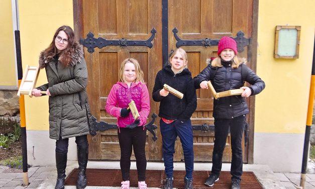 Ratschenkinder ersetzen Glocke