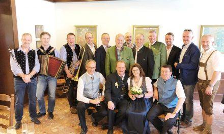 """Wir gratulieren: Kirchschlags Bürgermeister hat sich """"getraut"""""""