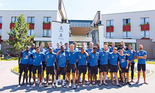 Internationale Fußballvereine zu Gast in Linsberg Asia