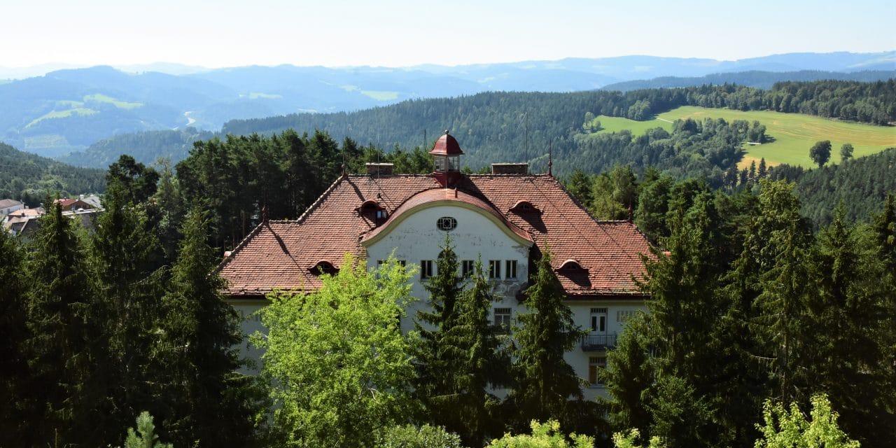 Lost Places: Heilung in bester Höhenluft – das Kurhaus in Hochegg