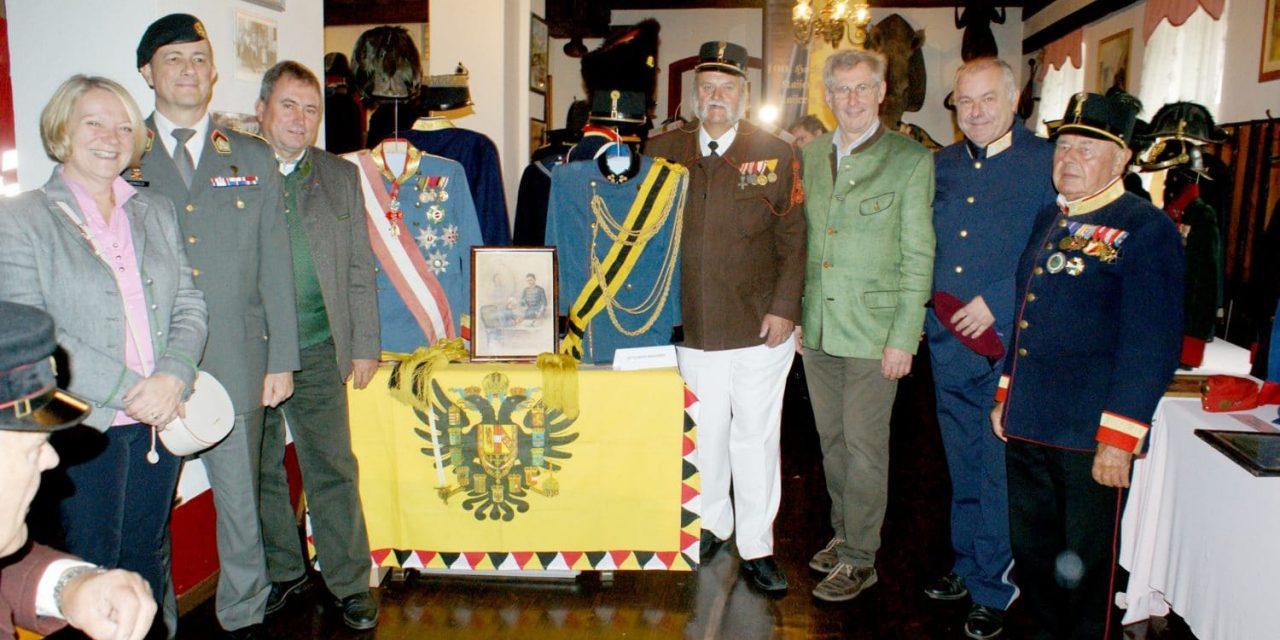 100 Jahre Österreichische Uniformen