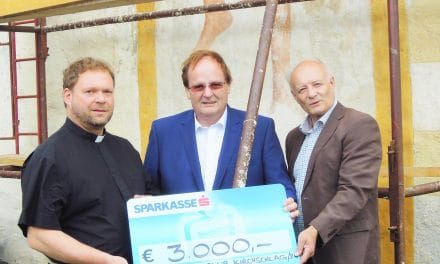 Lions spenden für Sanierung der Kirche