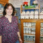 Helga Wistermayer sammelt Wilhelmsburger Porzellan