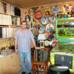 Leopold Wistermayer  sammelt Schallplatten