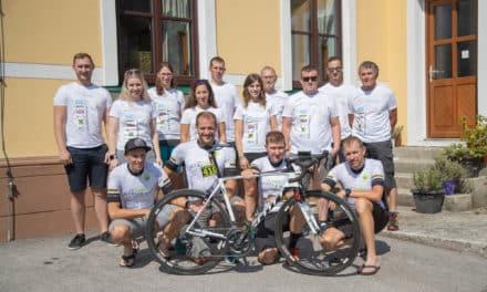 Der Countdown läuft: In wenigen Stunden startet das Team Bikeregion Bucklige Welt beim Race Around Austria