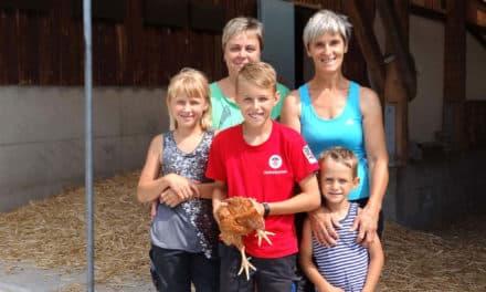 Bio-Hühnerfarm auf Ayurvedisch