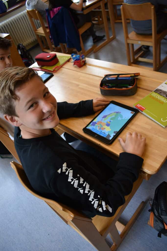 Kilian mit iPad