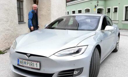 KLAR-Umfrage beantworten: Tesla-Wochenende gewinnen
