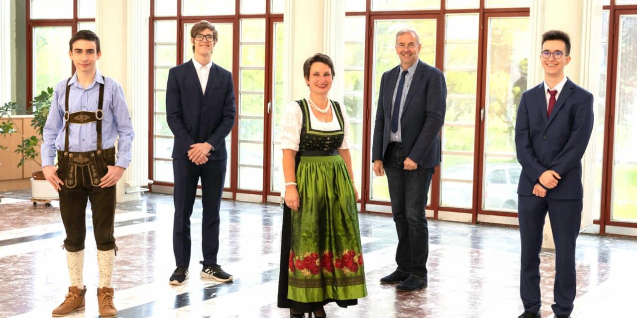 Chemieolympiade und Märchenprojekt