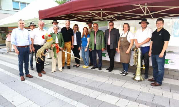 Kulinarisches Straßenfest mit Schnidahahn