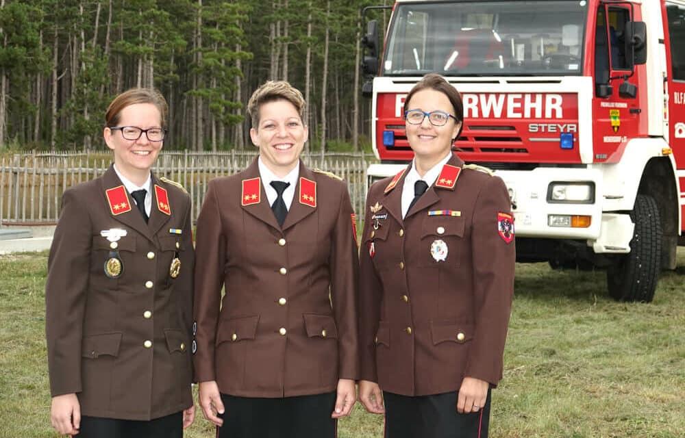 Neue Kameradinnen bei den Feuerwehren